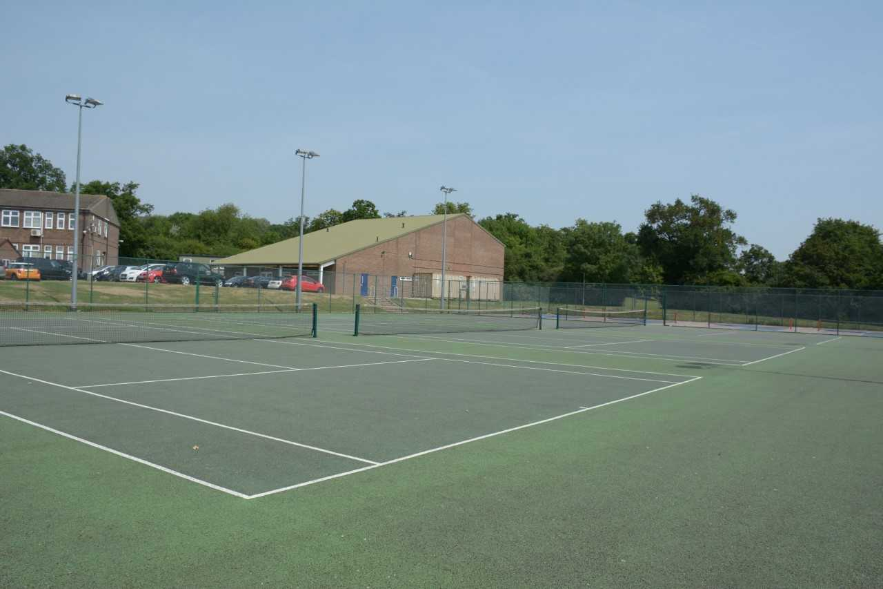 Davenant Tennis Courts